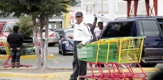Ya no alcanza para dar propinas en supermercados