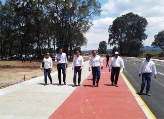 Supervisa Romo Cruz parque industrial de Santiago Tulantepec