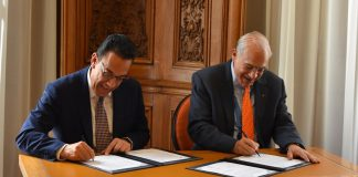 Firma gobierno del estado acuerdo con la OCDE