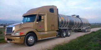 Aseguran pipa con 40 mil litros de combustible