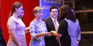 Entregan en Pachuca el premio de la juventud