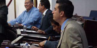 Proponen sancionar a diputados por faltas y abandono de curul