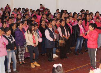 Participan mujeres de Acaxochitlán en lucha contra el cáncer