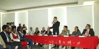 Presenta alcalde Fernando Pérez aplicación móvil