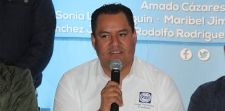 Lamenta Asael Hernández salida de Charrez Pedraza del PAN