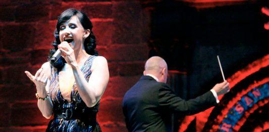 Complacen al público Susana Zavaleta y la Sinfónica de Hidalgo