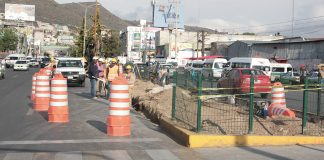 Agilizan tránsito por obra en bulevar Rojo Gómez
