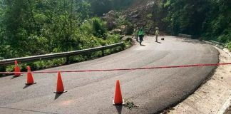 Derrumbe en Tlanchinol bloquea carretera