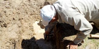 CAAMT atiende fugas de agua en el centro de Tulancingo