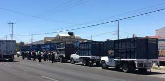 Protestan trabajadores del servicio de recolección de basura