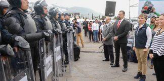 Entregan equipo y estímulos a policías de Pachuca