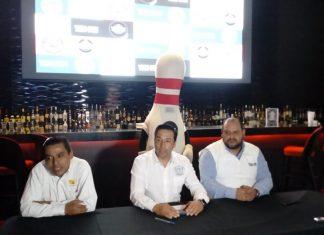 Organizan torneo empresarial de boliche en Pachuca