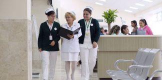 Reconocen a trabajadores del IMSS por años de servicio