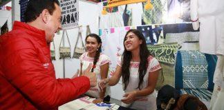 Sedeso integra a artesanos en pabellón en Feria de Pachuca