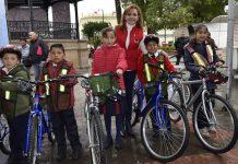 Realizan segunda entrega de bicicletas en Tulancingo