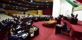 Polemizan diputados locales por invitación a Nicolás Maduro