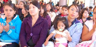 Apoyan a mamás jóvenes y maternidad juvenil
