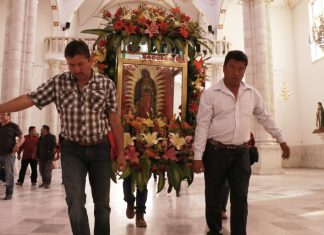 Tradición mueve a peregrinos anualmente a la Villita