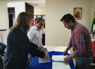 Regidora Ruth Leon se registra por dirigencia municipal del PAN