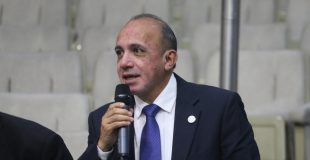 Llama legislador a población involucrarse con nuevas autoridades locales