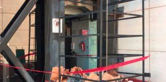 Muere una persona por desplome de elevador del INE en Tlaxiaca